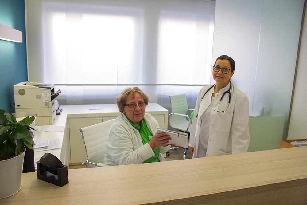 Dr.-Philipper_Empfang-ärztin_